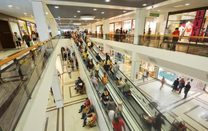 Le gouvernement étudie un moratoire sur les centres commerciaux !