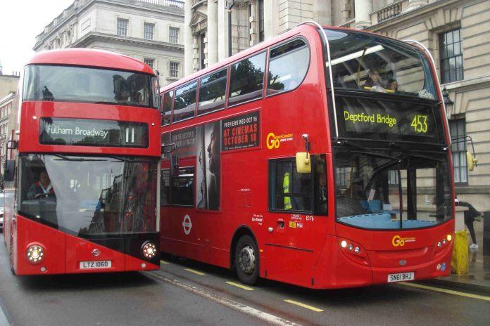 A Londres, les commerçants en ligne pourraient bientôt utiliser des bus pour livrer des colis !